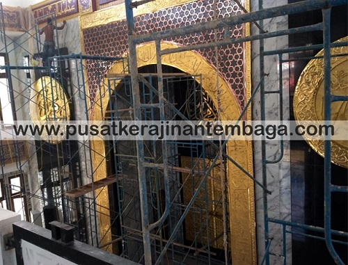 Pemasangan Mihrab MAsjid