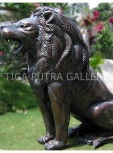 patung tembaga singa 2
