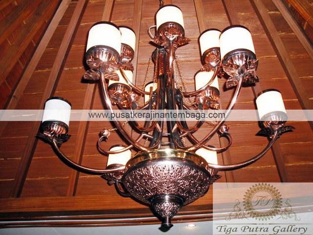 Lampu Gantung Tembaga Motif Klasik