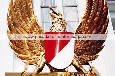 logo burung garuda kuningan