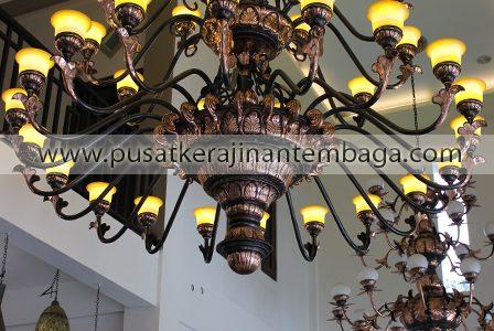 lampu hias gantung besar
