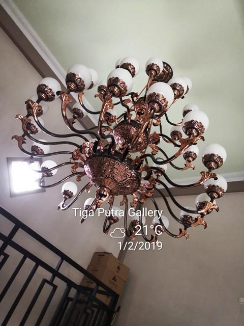 Lampu gantung Joglo masjid