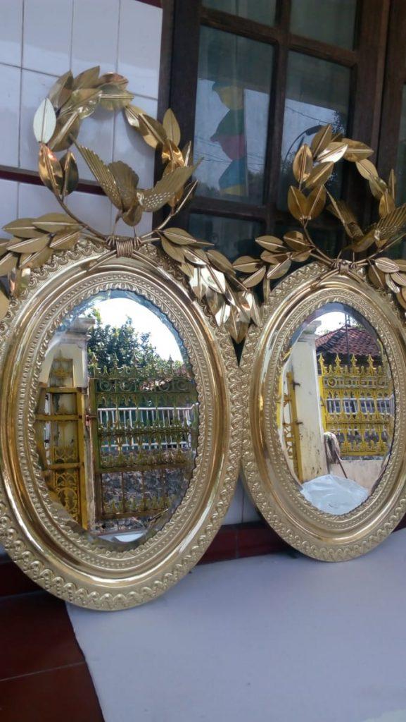 Cermin dari kuningan